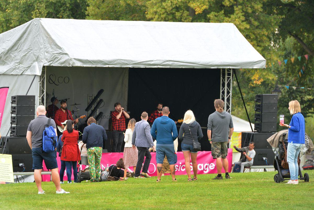Music entertainment at Shrewsbury Food Festival, The Quarry