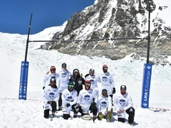 Ex-rugby stars raise charity cash with record-breaking Everest match