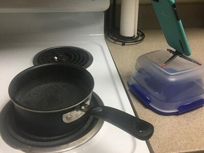 This guy FaceTimed his kitchen so he could keep watch over his pan