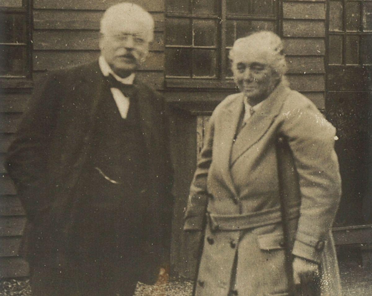 Robert Jones and Agnes Hunt