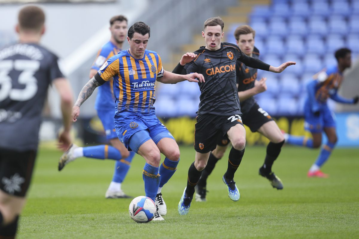 Oliver Norburn of Shrewsbury Town and Gavin Whyte of Hull City (AMA)