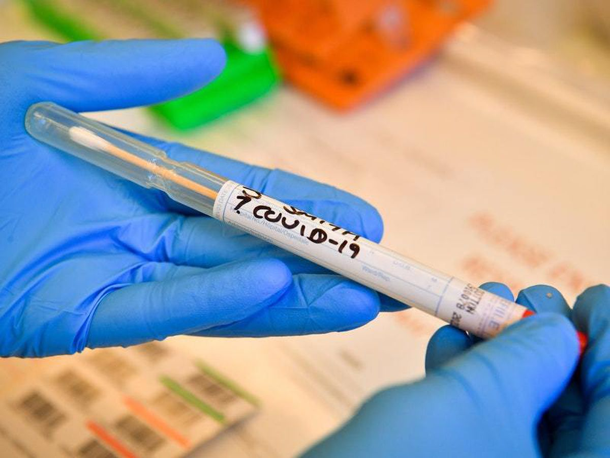 The number of positive coronavirus tests in the UK reached 1,372 on Sunday