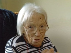 Phyllis celebrates 105th birthday with family and friends
