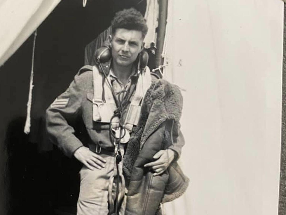 Mr Dawson while in the RAF