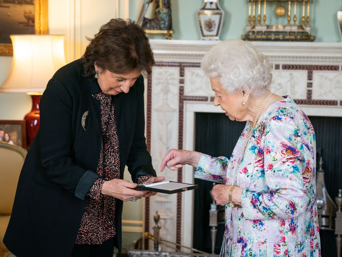 The Queen with Dame Imogen Cooper