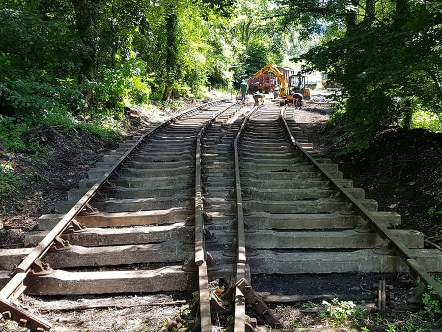 A total of 384 concrete sleepers were used in the restoration