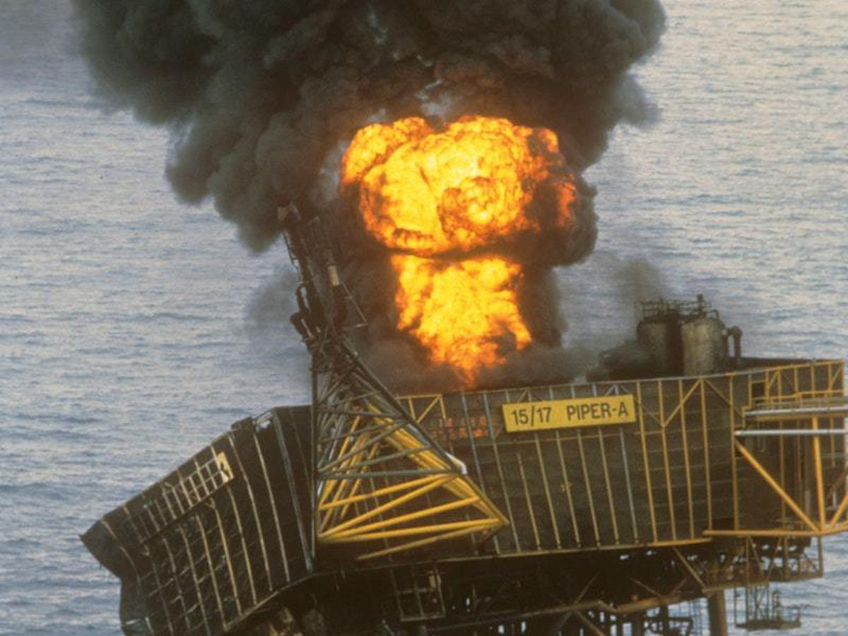 The Piper Alpha platform ablaze