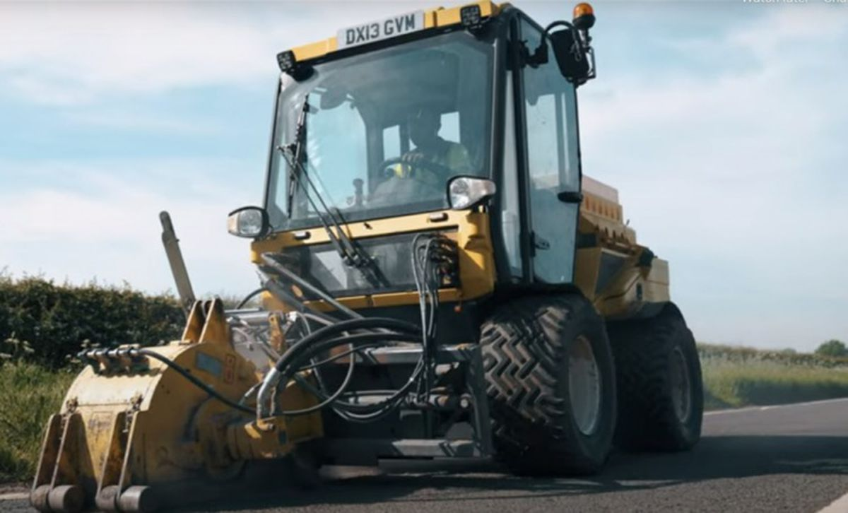 The Multevo Multihog being used to fix the county's roads