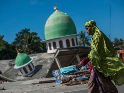Fresh quake strikes near Indonesian tourist island of Lombok