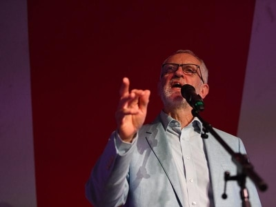Jeremy Corbyn calls for two deputy leaders after bid to oust Tom Watson