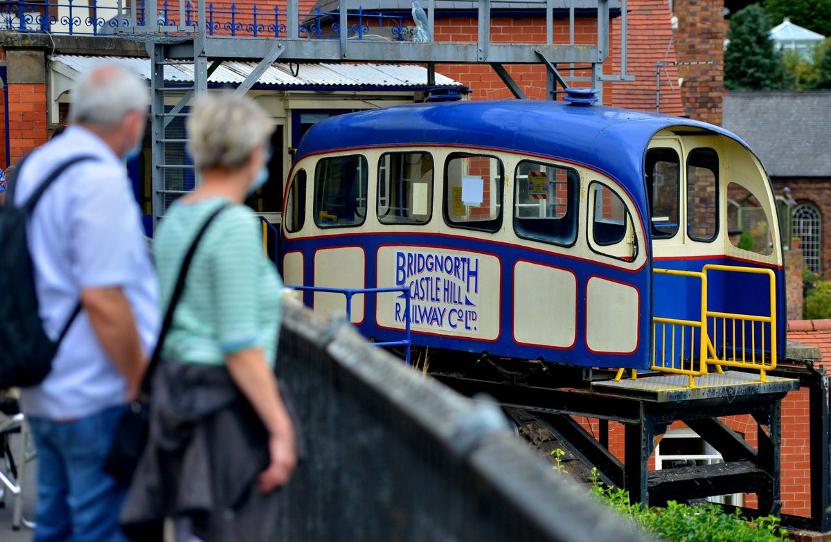 The Cliff Railway reopens