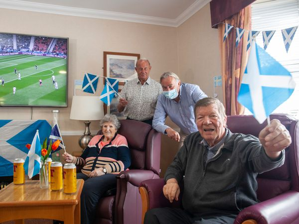 Residents with Alan Rough