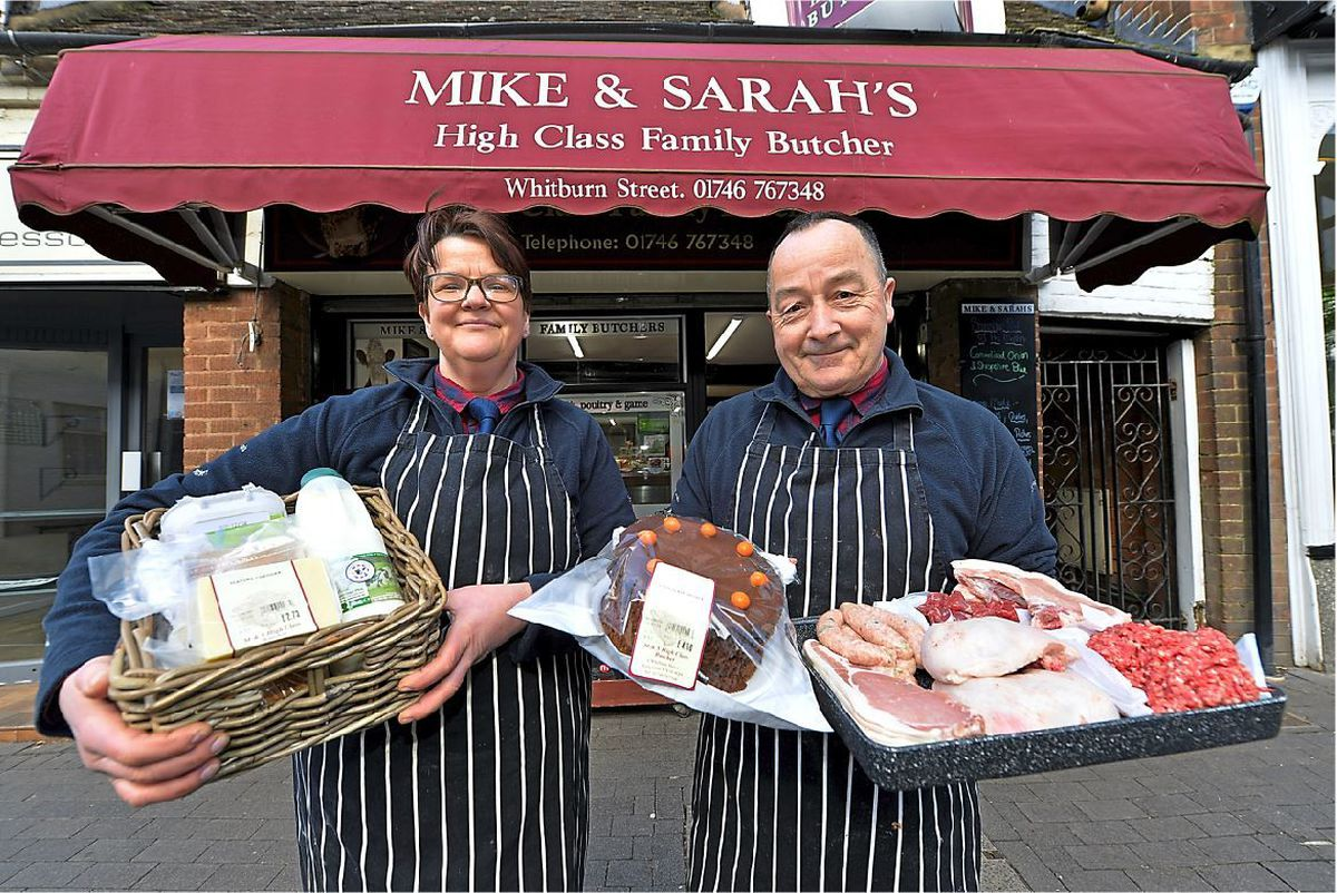 Sarah-Jane and Mike Pearce are making free deliveries of groceries to people who can't get out to the shops