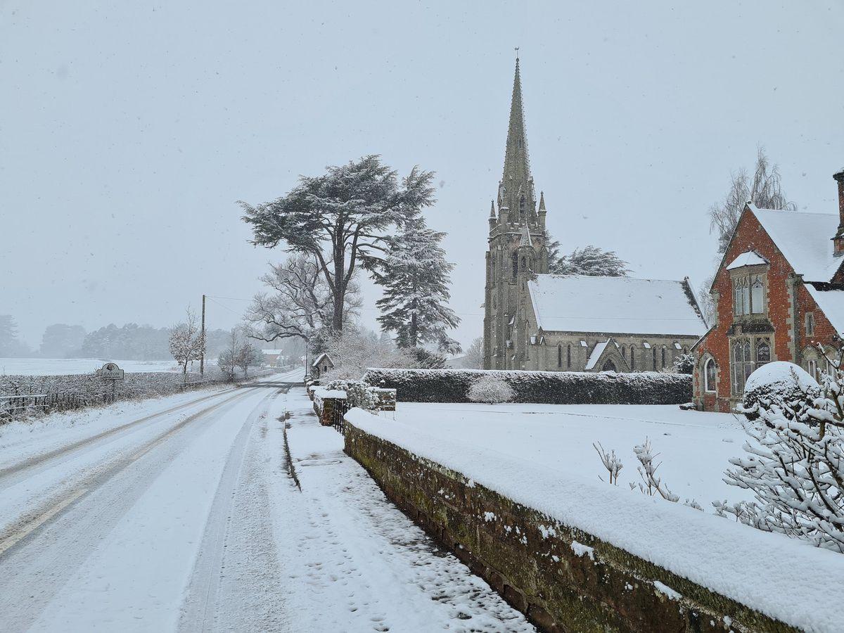 Snow next to Leaton Church. Photo: @RuytonRATS