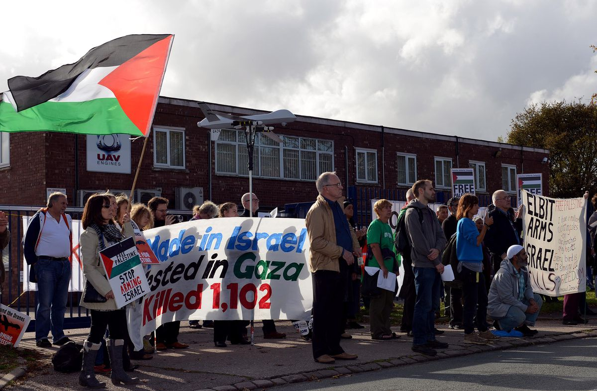 """Pictures of """"free Palestine"""" protestors (mostly under the umbrella of the West Midlands Palestine Solidarity Campaign)"""