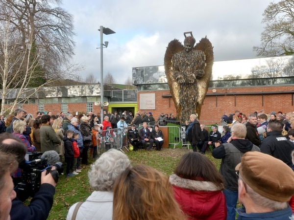 Closing ceremony ahead of Knife Angel's departure from Newtown