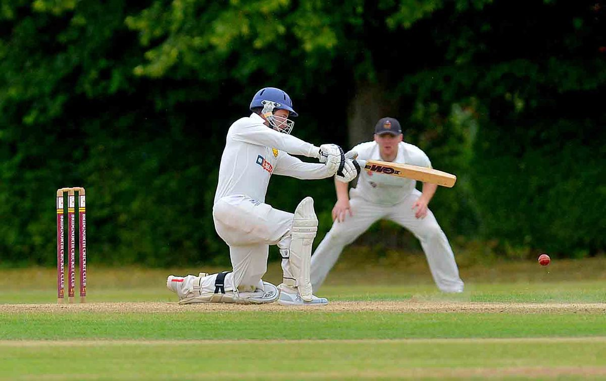 Warrick Fynn hits out on his way to making 41