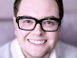 TV funny man Alan Carr sells out Shropshire show in minutes