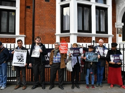 Protests at Ecuador embassy amid claim US will seize Assange belongings