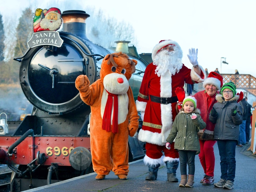 Severn Valley Railway welcomes Christmas back to Bridgnorth - in pictures