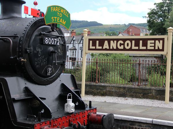 Llangollen Heritage Railway says it is insolvent to the tune of £350,000