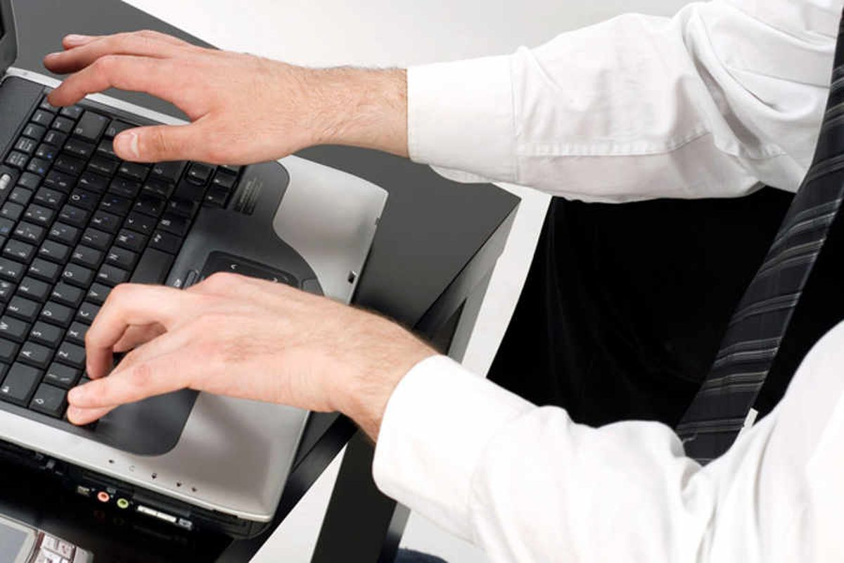 Campaigners tell MEP about Shropshire broadband woe