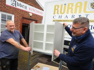 SHREWS PIC / DAVID HAMILTON PIC / SHROPSHIRE STAR PIC 16/3/21 Donating a kitchen to (right) The Rural Charity chief executive Ian Bebbington, with (left) staff member Steve Rich, at Abbey Kitchens, Shrewsbury..