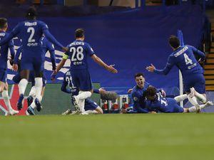 Chelsea's Mason Mount, center, celebrates with his teammates