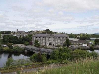 Border town Belleek reflects on PM's visit